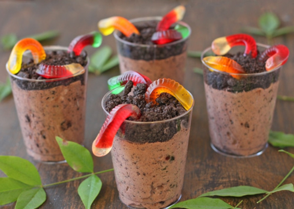 worms-in-dirt-pudding-cups-recipe-11